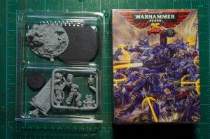 Warhammer 40.000 25th Anniversary Space Marine model - review (2)