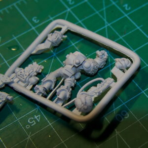 Warhammer 40.000 25th Anniversary Space Marine model - review (13)