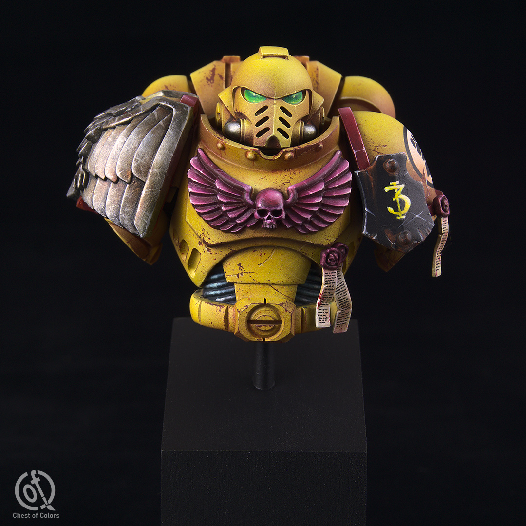 imperial-fists-space-marines-bust-2.jpg