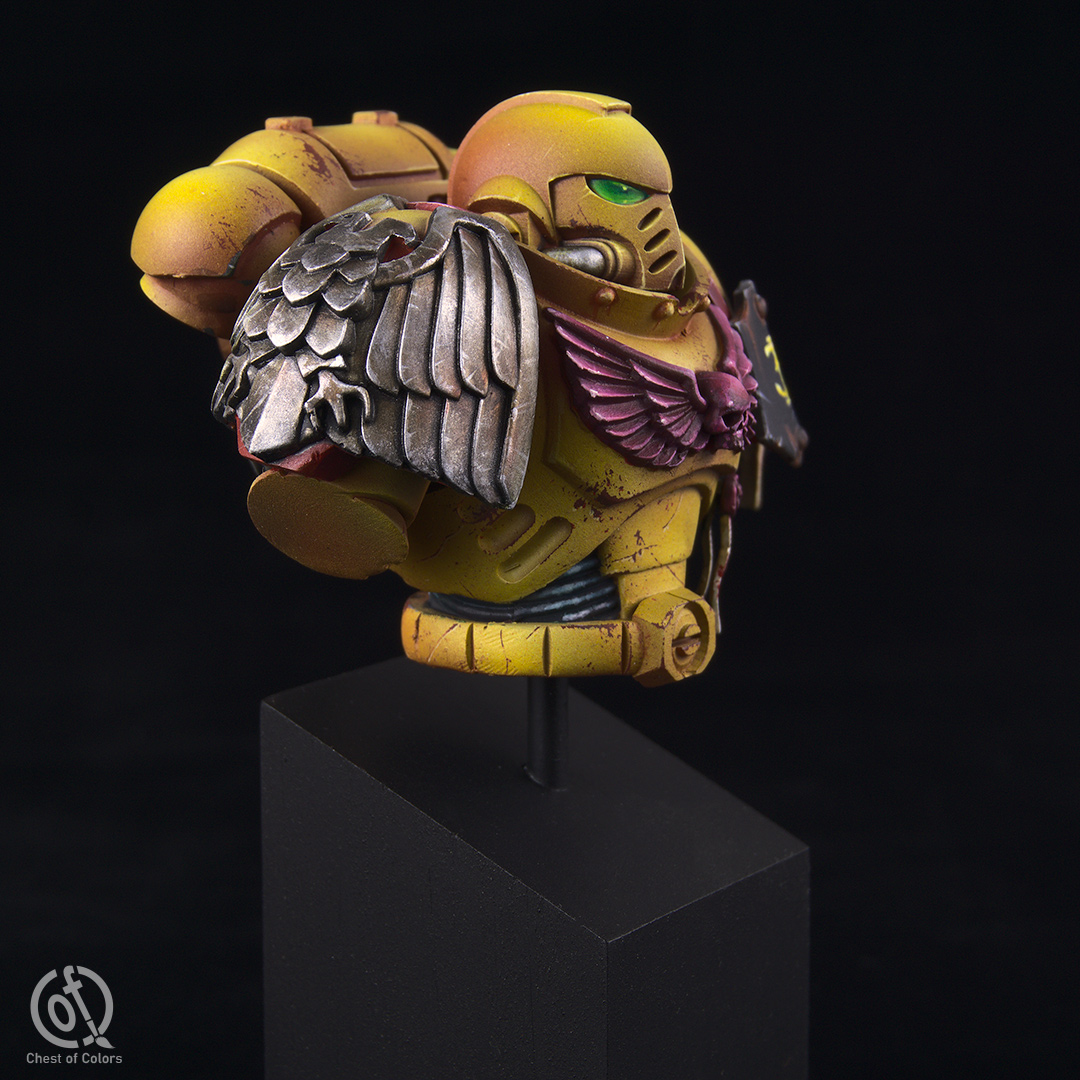 imperial-fists-space-marines-bust-3.jpg