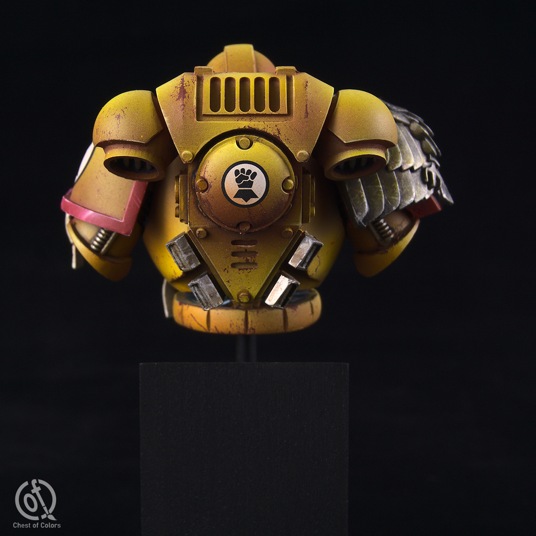 imperial-fists-space-marines-bust-5.jpg
